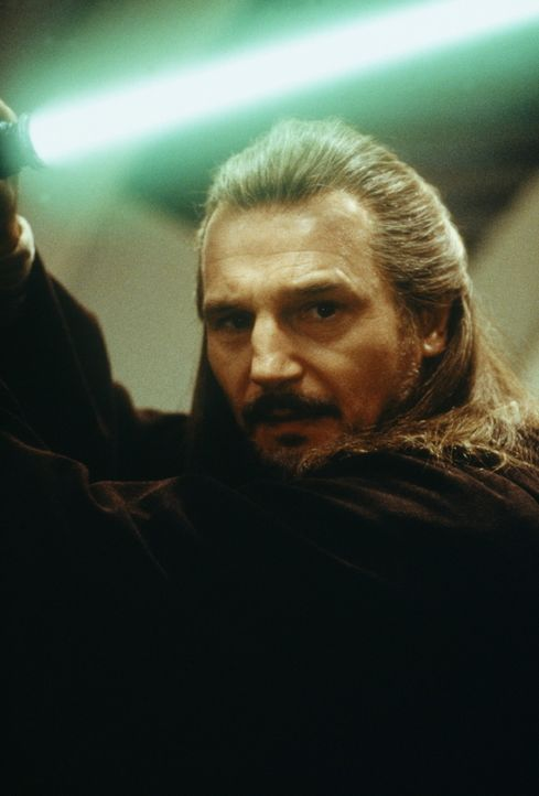 Wächter des Friedens und der Gerechtigkeit in der Galaxis: Jedi-Ritter Qui-Gon Jinn (Liam Neeson) ... - Bildquelle: 1999 Lucasfilm Ltd. & TM All rights reserved Used with permission