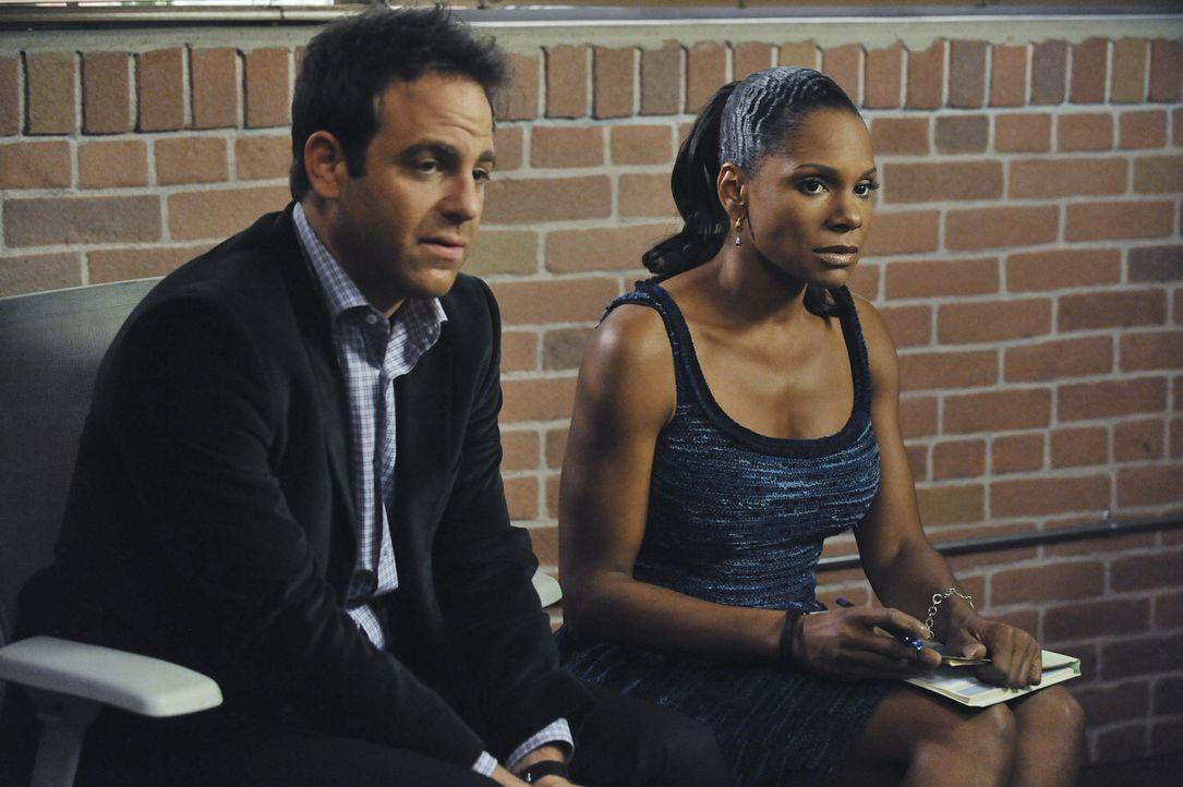Kümmern sich gemeinsam um den übergewichtigen Justin: Naomi (Audra McDonald, r.) und Cooper (Paul Adelstein, l.), den ein schweres Schicksal präg... - Bildquelle: ABC Studios