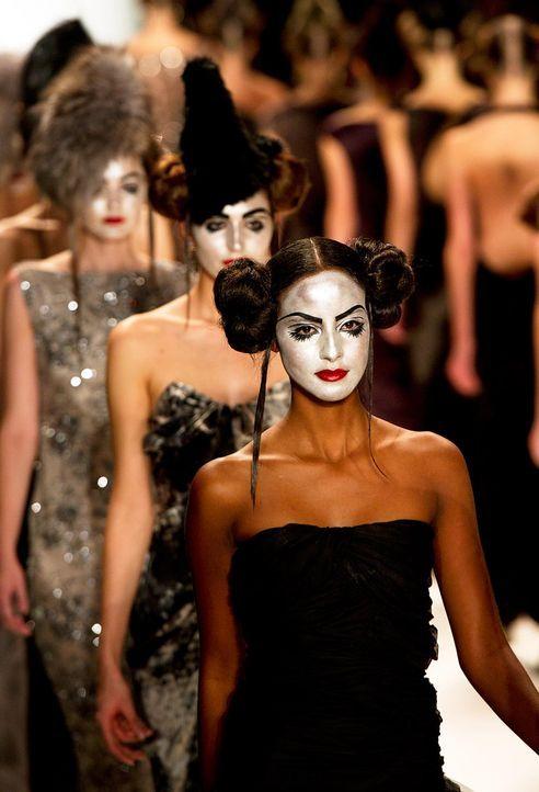 fashion-week-berlin-12-01-19-sara-nuru-afpjpg 1295 x 1900 - Bildquelle: AFP