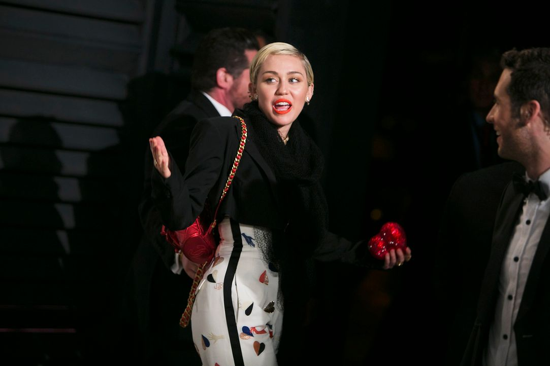 Oscars-Vanity-Fair-Party-Miley-Cyrus-150222-AFP - Bildquelle: AFP