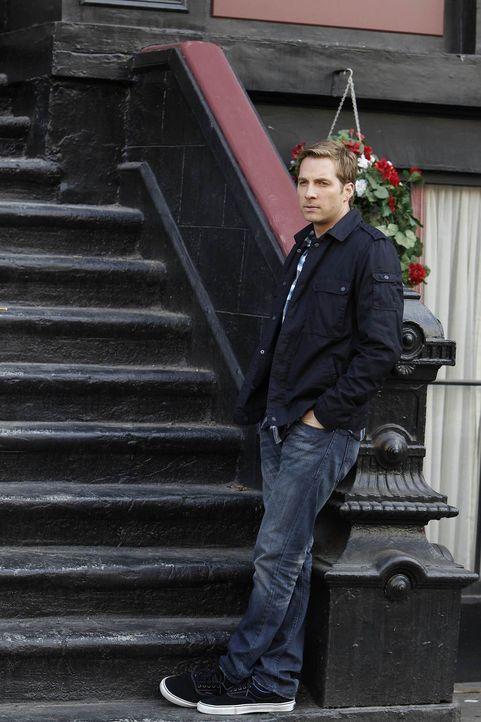 Eines Abends fasst sich Ben (Ryan Hansen) ein Herz und bittet Kat, den Hut endlich abzunehmen. Sie ziert sich zunächst, tut ihm aber schließlich den... - Bildquelle: NBC Universal, Inc.