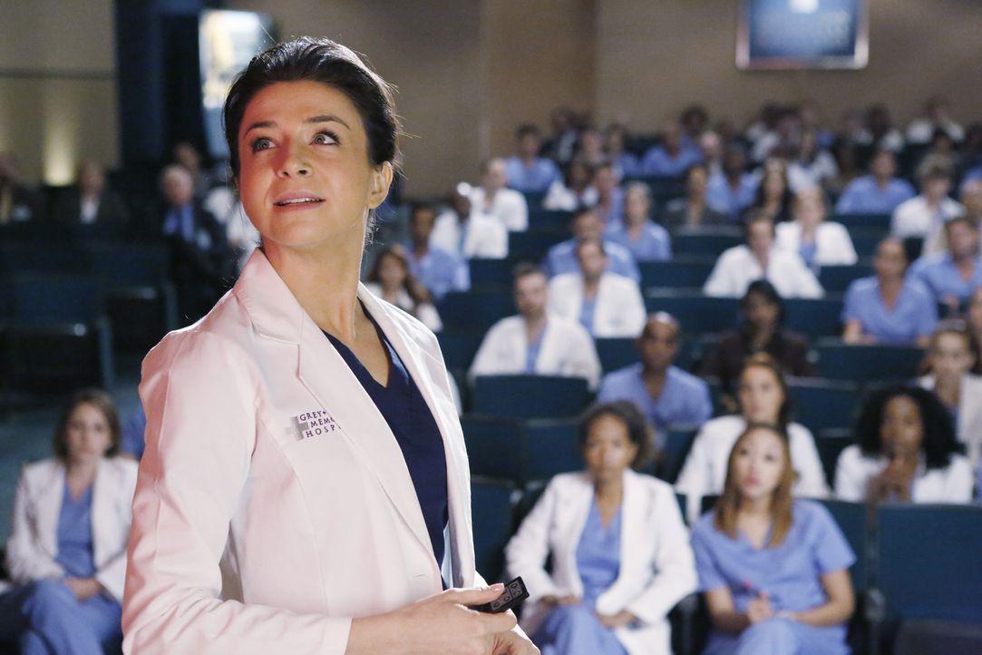 Die Operation von Dr. Hermans Gehirntumor steht an. Amelia (Caterina Scorsone, vorne) zeigt großes Engagement und begeistert auch die anderen Ärzte... - Bildquelle: ABC Studios