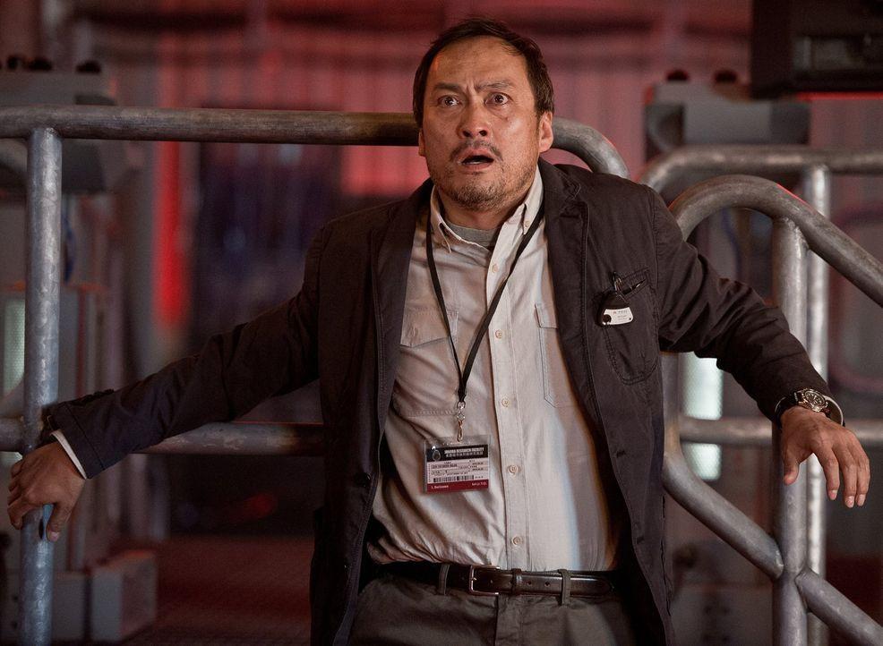 Als ein riesiger urzeitlicher Kokon zum Leben erwacht, erlebt Dr. Ichiro Serizawa (Ken Watanabe) eine todbringende Überraschung, die kein Ende zu fi... - Bildquelle: 2014   Warner Bros.