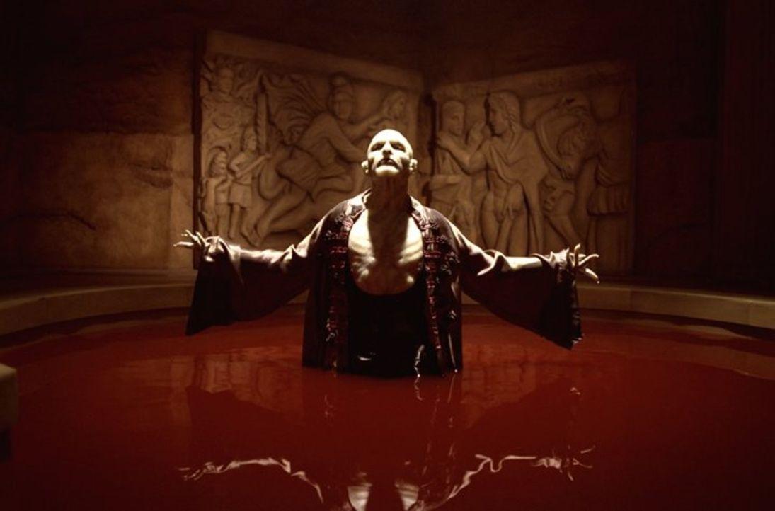 Damaskinos (Thomas Kretschmann) träumt von einer Welt, in der es weder Menschen noch Vampire gibt ... - Bildquelle: New Line Cinema