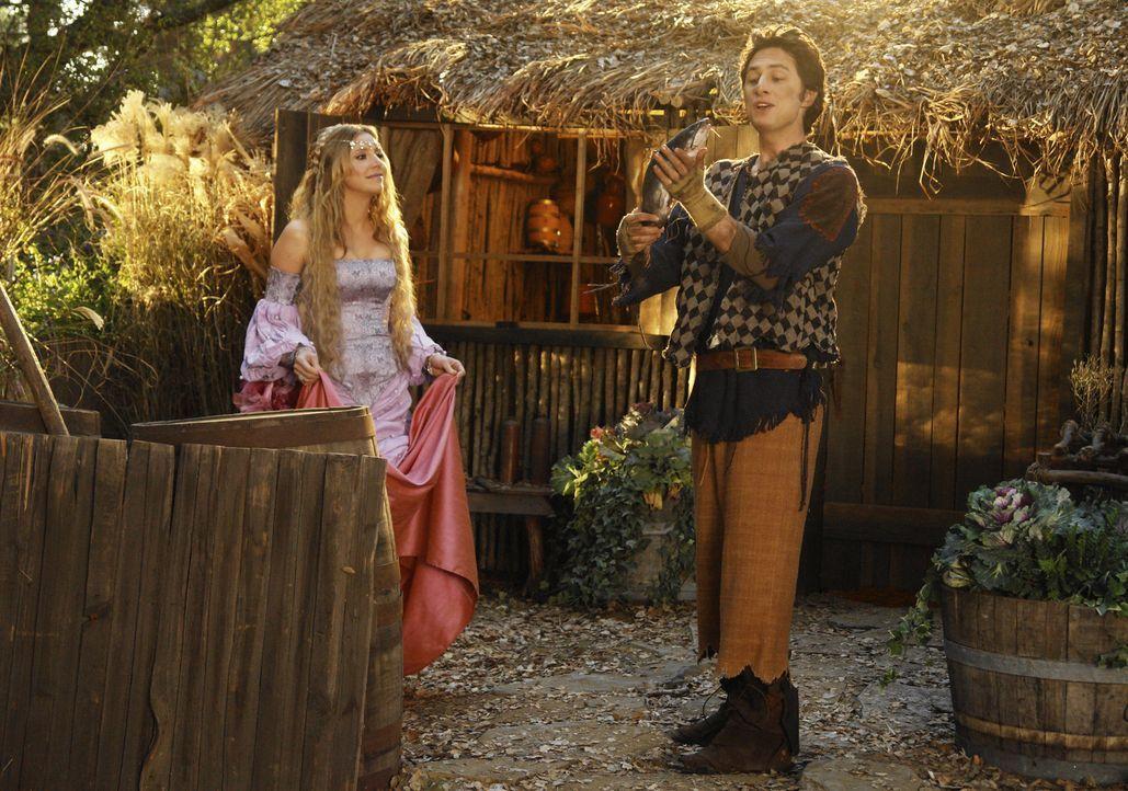 Zusammen stellen sich die Prinzessin (Sarah Chalke, l.) und der Dorftrottel (Zach Braff, r.) den gefährlichen Monstern ... - Bildquelle: Touchstone Television