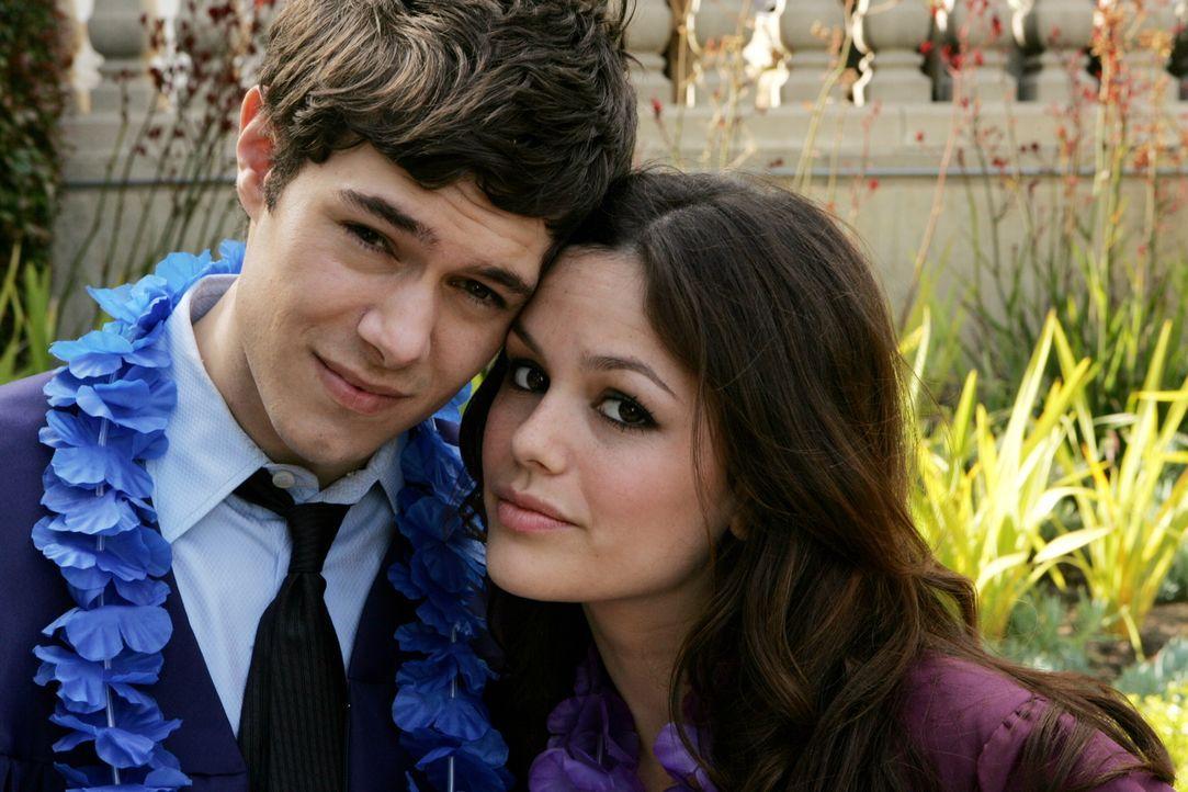 Eine neues Leben beginnt: Seth (Adam Brody, l.) und Summer (Rachel Bilson, r.) ... - Bildquelle: Warner Bros. Television