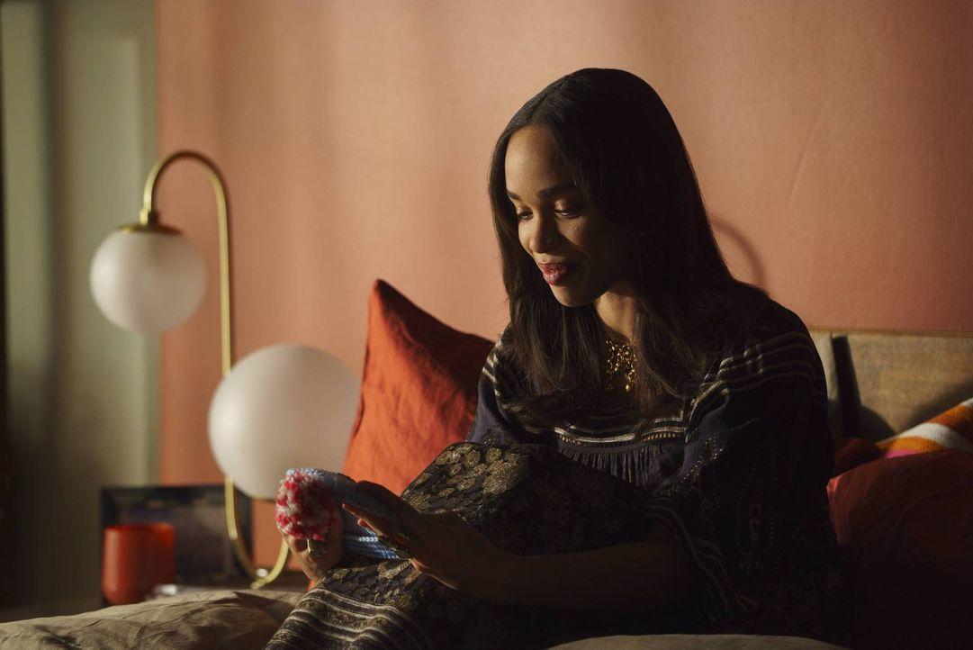 Nachdem Erica (Cleopatra Coleman) eröffnet hat, dass sie schwanger ist, versucht Phil mit ihr zu reden, doch die gesamte Gruppe stellt sich schützen... - Bildquelle: 2015-2016 Fox and its related entities.  All rights reserved.