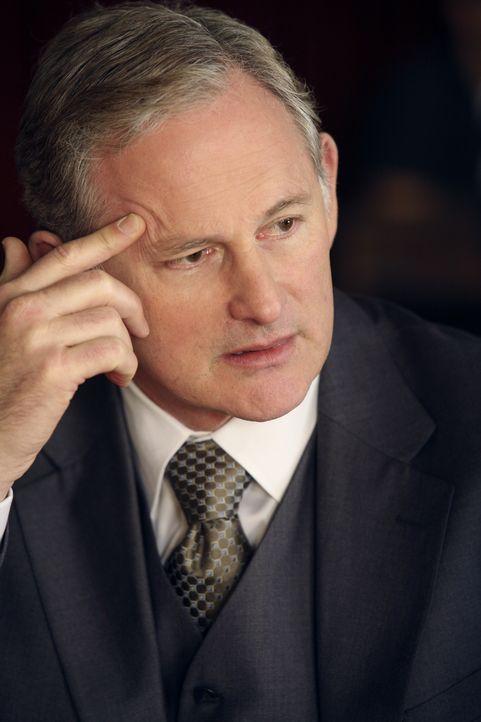 Jordan Wethersby (Victor Garber) weiß, wie man zu viel Geld kommt. Der Boss der Kanzlei zählt nur Großkunden zu seinen Klienten ... - Bildquelle: Disney - ABC International Television