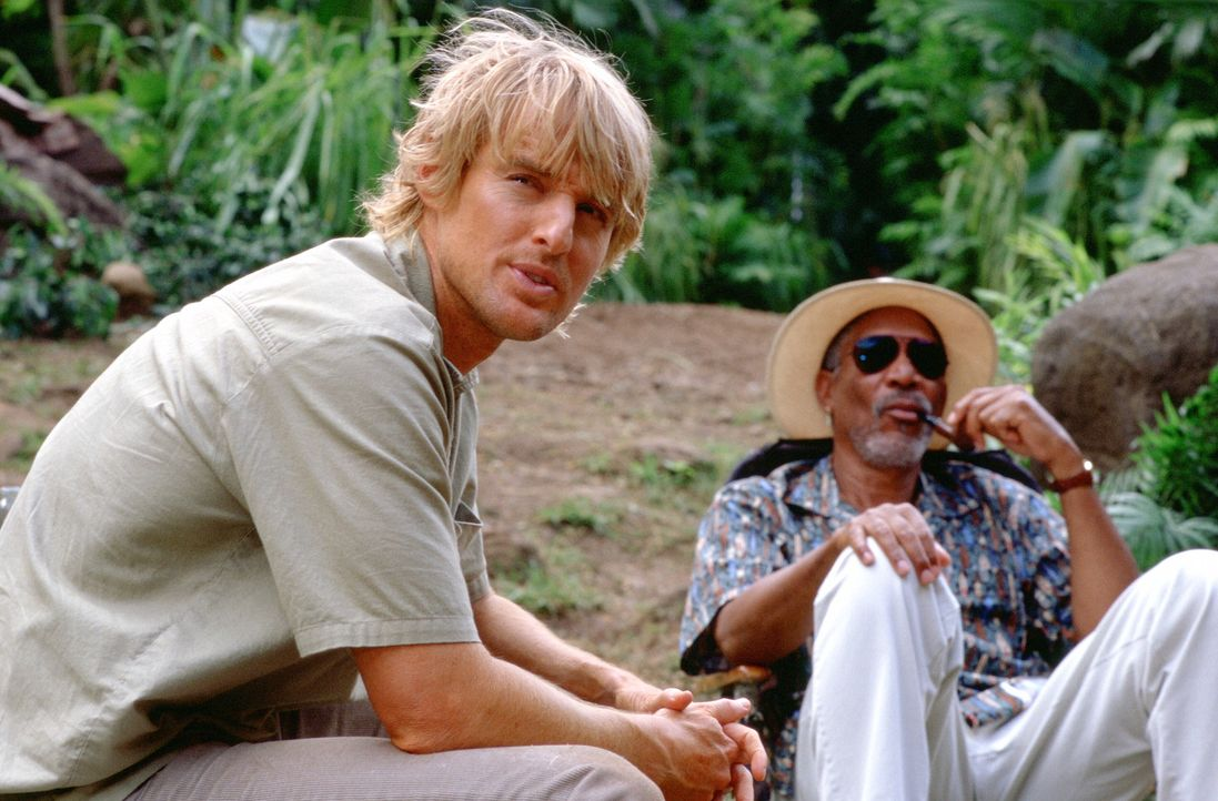 Richter Walter Crewes (Morgan Freeman, r.) steht auf Kriegsfuss mit dem Mafioso Ritchie und wünscht sich nichts mehr, als diesem mal so richtig ein... - Bildquelle: Warner Bros.