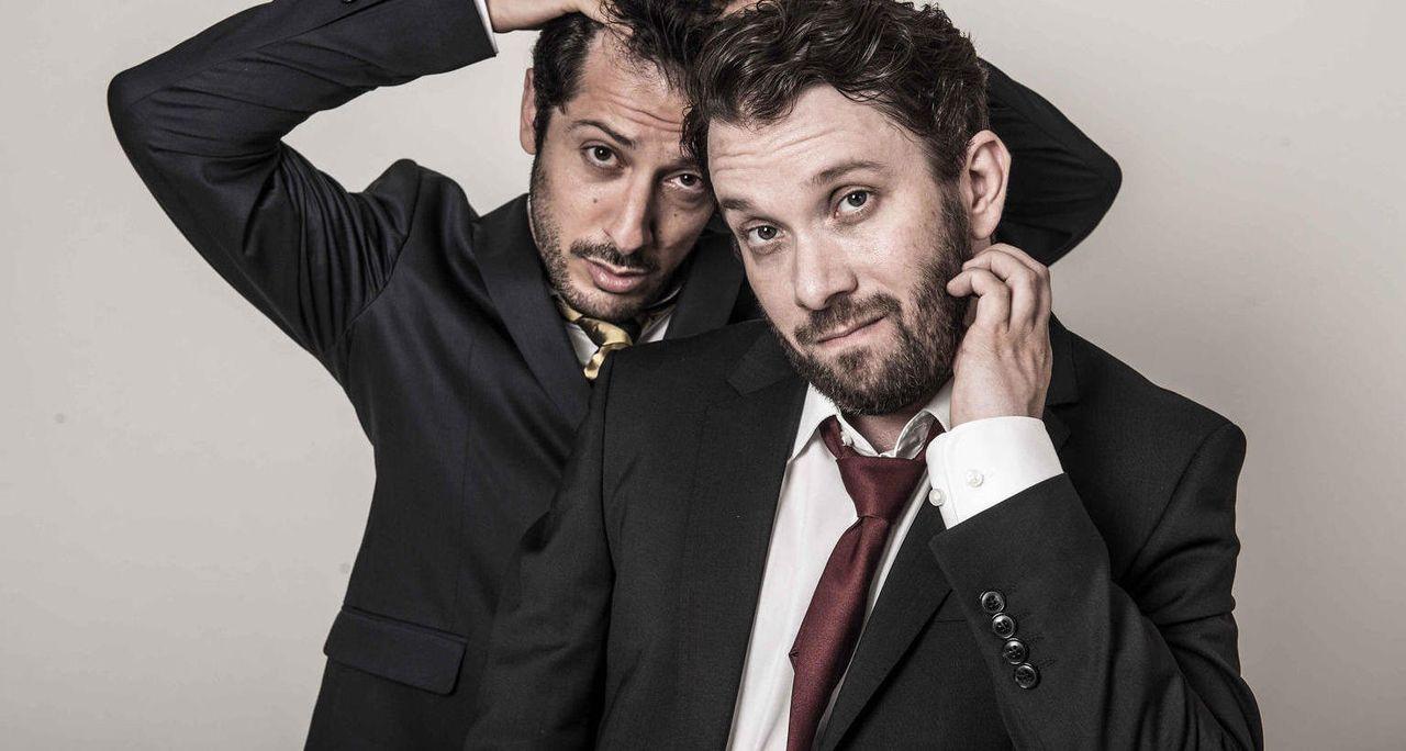 Eine ganz besondere Freundschaft: Christian Ulmen (r.) und Fahri Yardim (l.) ... - Bildquelle: maxdome / ProSieben / Andre Kowalski