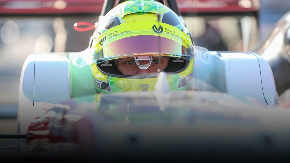 Der neue Europameister: Mick Schumacher - Bildquelle: getty