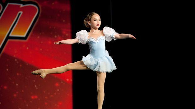 Wird Maddie dem Druck standhalten und ihr Solo fehlerfrei tanzen? © 2011 A&E...