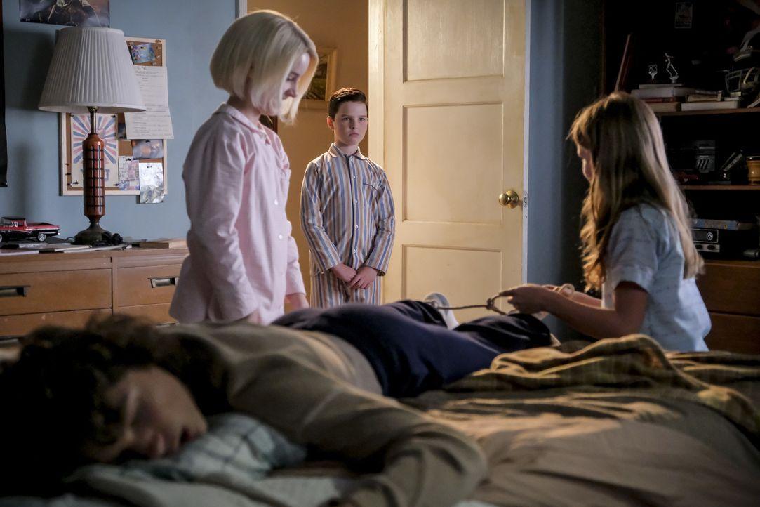 (v.l.n.r.) Georgie (Montana Jordan); Paige (Mckenna Grace); Sheldon (Iain Armitage); Missy (Raegan Revord) - Bildquelle: Darren Michaels 2018 WBEI. All rights reserved./Darren Michaels