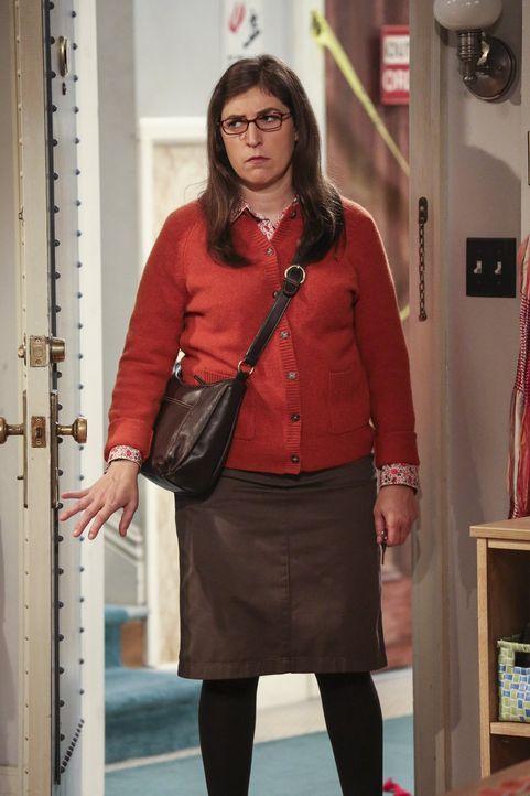 Brutzeit? Wohl kaum. Amy (Mayim Bialik) steht offensichtlich gar nicht auf Sheldons Verführungskünste ... - Bildquelle: 2016 Warner Brothers