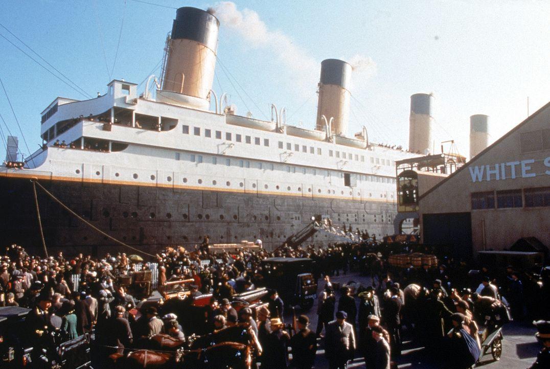 1912: In Southampton, England geht die Titanic auf ihre Jungfernfahrt in Richtung New York. Zu den Passagieren gehören neben der aus der gehobenen... - Bildquelle: 20th Century Fox