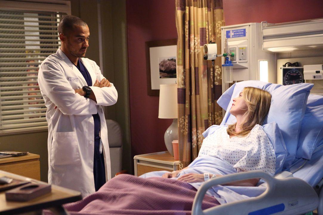 In einem heftigen Streit kann Jackson (Jesse Williams, l.) April klar machen, dass er nichts mehr für sie empfindet, während Meredith (Ellen Pompe... - Bildquelle: ABC Studios