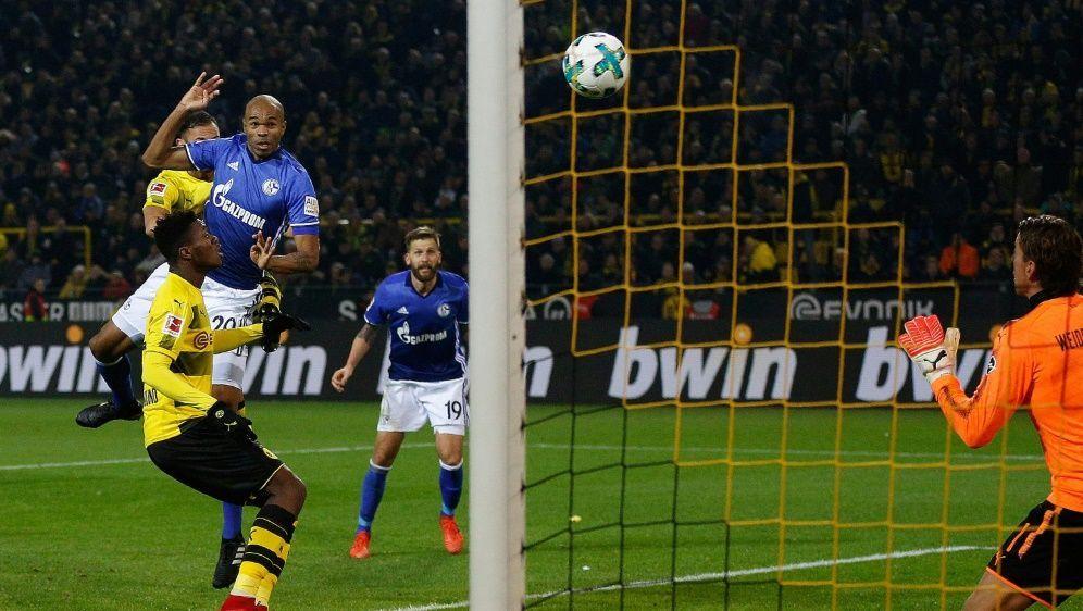 Zuletzt traf Naldo zum historischen 4:4 gegen den BVB - Bildquelle: AFPSIDNORBERT SCHMIDT