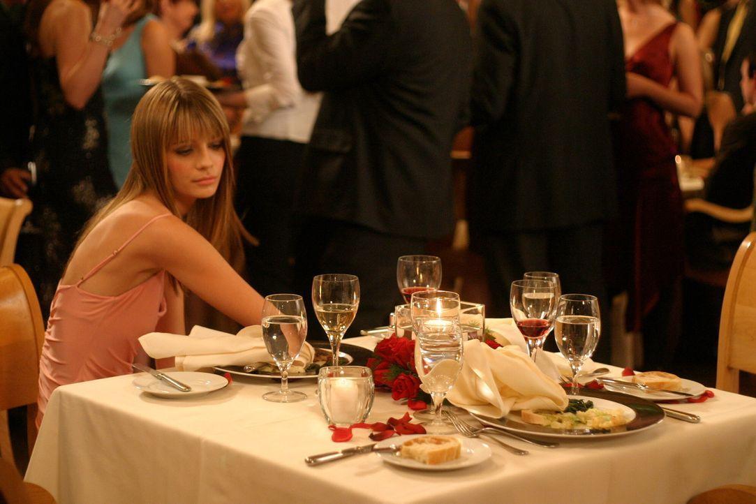 Marissa (Mischa Barton) will ihre Beziehung zu Ryan retten, doch dieser kann ihr die Sache mit Oliver nicht verzeihen ... - Bildquelle: Warner Bros. Television