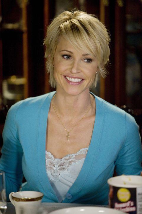 Kathleen (Josie Bissett) steht in Sachen Enthaltsamkeit ganz auf Marshalls Seite und ist damit auch keine große Hilfe für den Teenager Grace... - Bildquelle: ABC Family