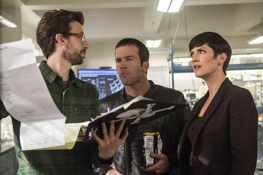 Ein neuer Fall wartet auf Sebastian (Rob Kerkovich, l.), Lasalle (Lucas Black...