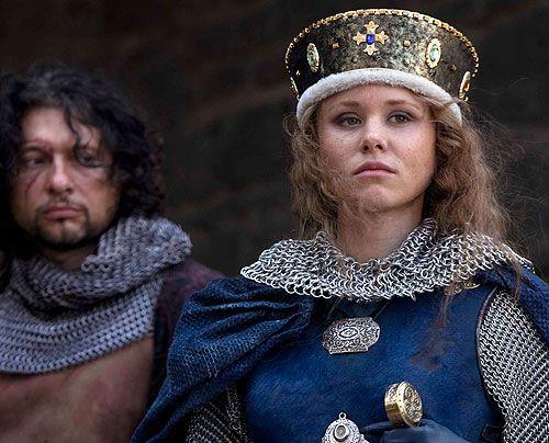 Königin Mathilde (Alison Pill) und ihre Truppen sind in der Stadt Lincoln eingeschlossen. - Bildquelle: Egon Endrenyi Tandem Productions Pillars Productions