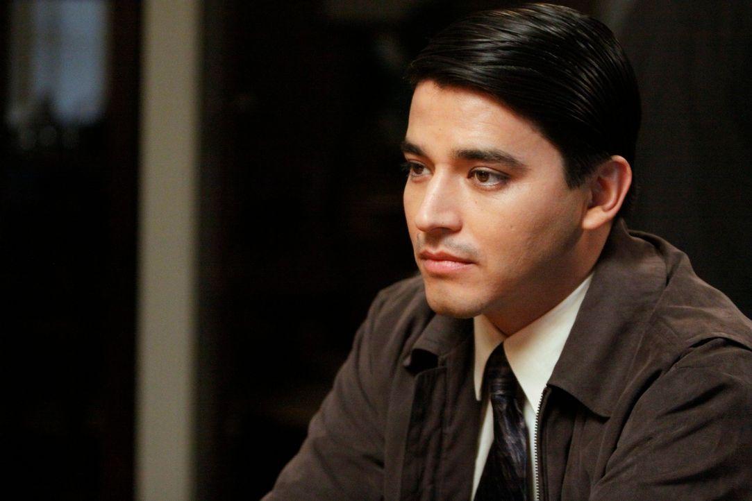 Als plötzlich Brian Garcia (Douglas Spain), der Bruder von Olivia, vor der Tür steht, droht das neue Familienglück zusammenzubrechen ... - Bildquelle: 2011 American Broadcasting Companies, Inc. All rights reserved.