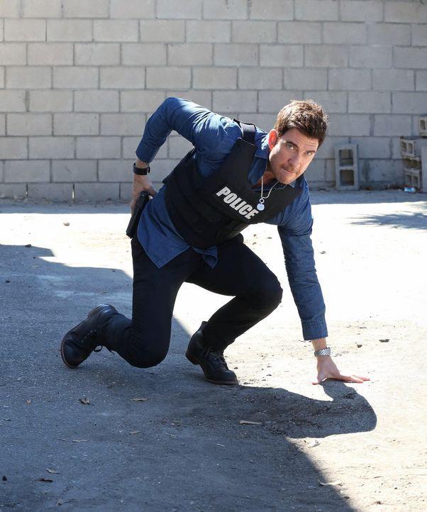 Wird Jack (Dylan McDermott) den Täter finden, der eine Braut während ihrer Hochzeit erschossen hat? - Bildquelle: Warner Bros. Entertainment, Inc.
