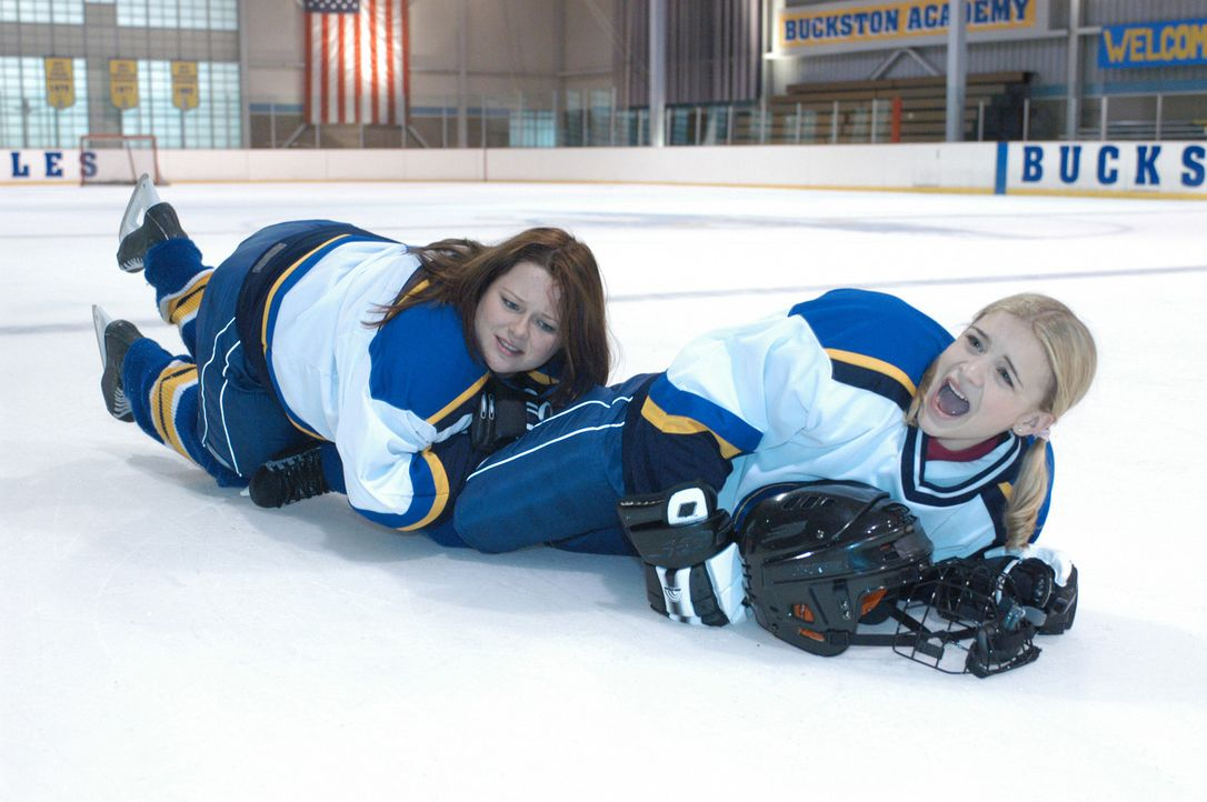 Bauchlandung: Katelin (Jordan Hinson, r.) und Ronnie (Amy Halloran, l.) ... - Bildquelle: The Disney Channel