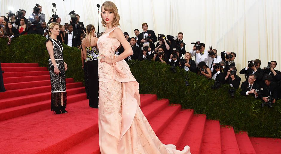 Costume-Institute-Benefit-Taylor-Swift-14-05-05-AFP - Bildquelle: AFP