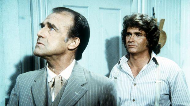 Charles Ingalls (Michael Landon, r.) hat soeben Peter, den neuen Gast von Nel...
