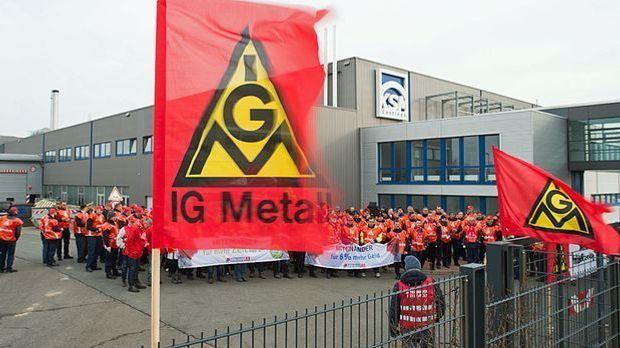 Beschäftigte der KSM Castin Group streiken in Wernigerode