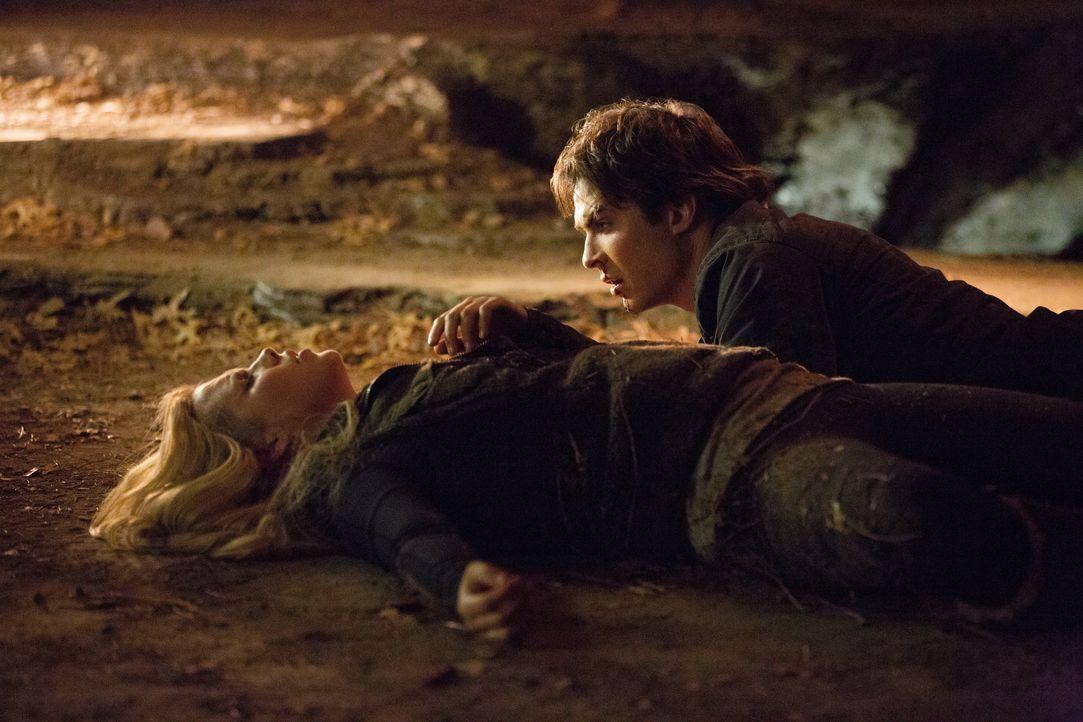 Rebekah Mikaelson und Damon Salvatore - Bildquelle: Warner Bros. Entertainment Inc.
