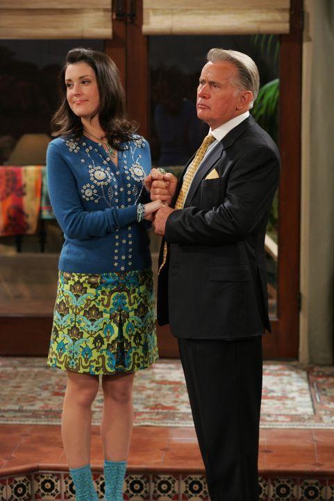 Wollen ein Mitglied der Harper Familie heiraten: Harvey (Martin Sheen, r.) und Rose (Melanie Lynskey, l.) ... - Bildquelle: Warner Brothers Entertainment Inc.