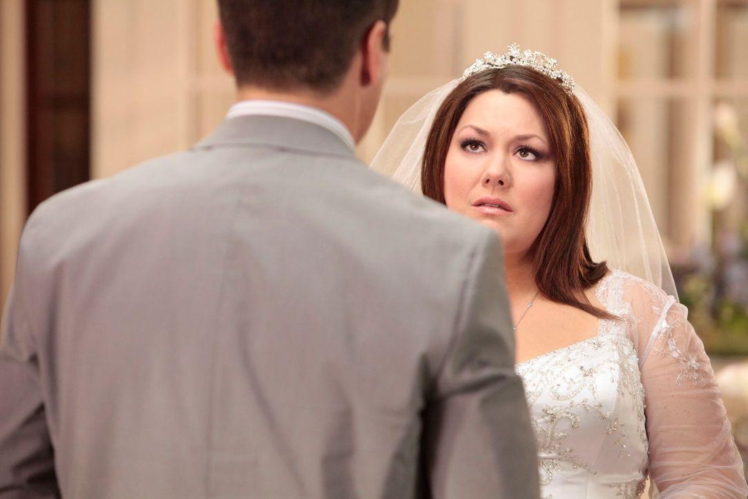 Grayson (Jackson Hurst, l.) gesteht Jane (Brooke Elliott, l.) seine Liebe, was fatale Folgen hat ... - Bildquelle: 2012 Sony Pictures Television Inc. All Rights Reserved.