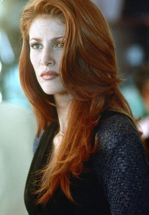 Laut Patrice (Angie Everhart) hat der ermordete Millionär einen exklusiven Callgirl-Ring geleitet. Star der Organisation ist die geheimnisvolle Jad... - Bildquelle: Paramount Pictures