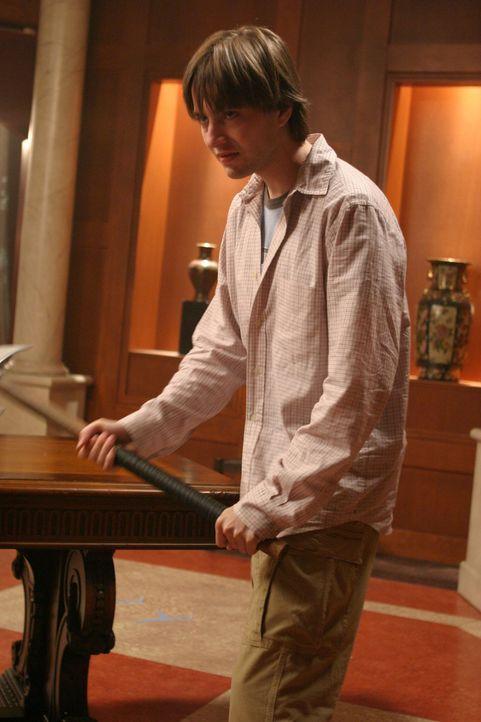 Connor (Vincent Kartheiser) ist der Einzige der Sahjahn besiegen kann ... - Bildquelle: The WB Television Network