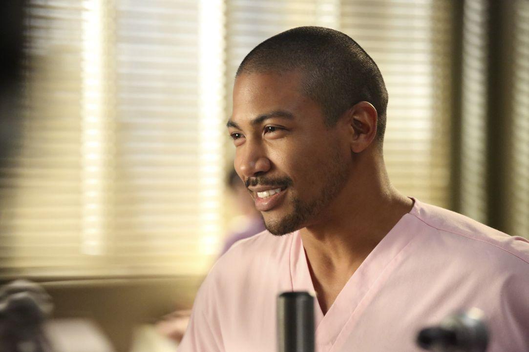 Jason (Charles Michael Davis) sucht ein klärendes Gespräch mit Alex. - Bildquelle: ABC Studios