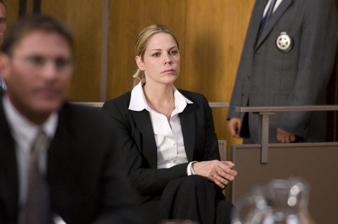 Das Gerichtsurteil verläuft gar nicht so, wie Mary (Mary McCormack) es sich vorgestellt hat ... - Bildquelle: USA Network
