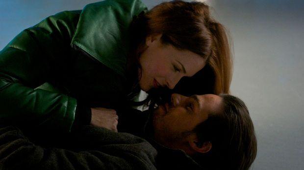 Vincent (Jay Ryan, r.) hat ein aufregendes Date mit seiner ehemaligen Verlobt...