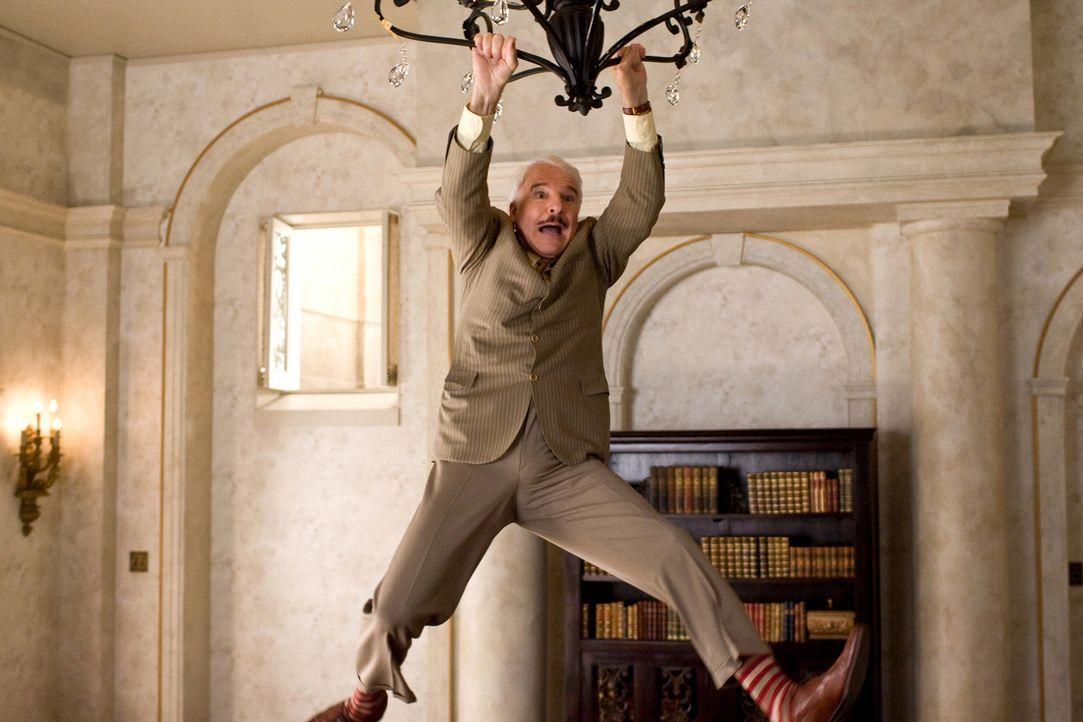 """Ein weiteres Mal darf sich Inspektor Jacques Clouseau (Steve Martin) auf die Suche nach dem gestohlenen """"rosaroten Panther"""" machen. Zusammen mit ein... - Bildquelle: Peter Iovino 2009 Metro-Goldwyn-Mayer Pictures Inc. and Columbia Pictures Industries, Inc. All rights reserved."""