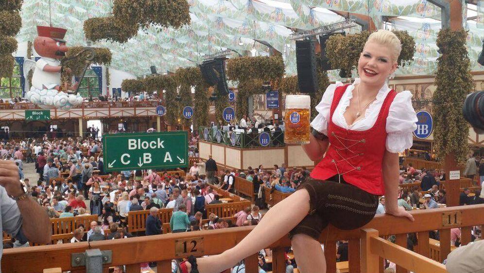 Melanie Müller Auf Dem Oktoberfest 2014 Lederhose Statt Dirndl