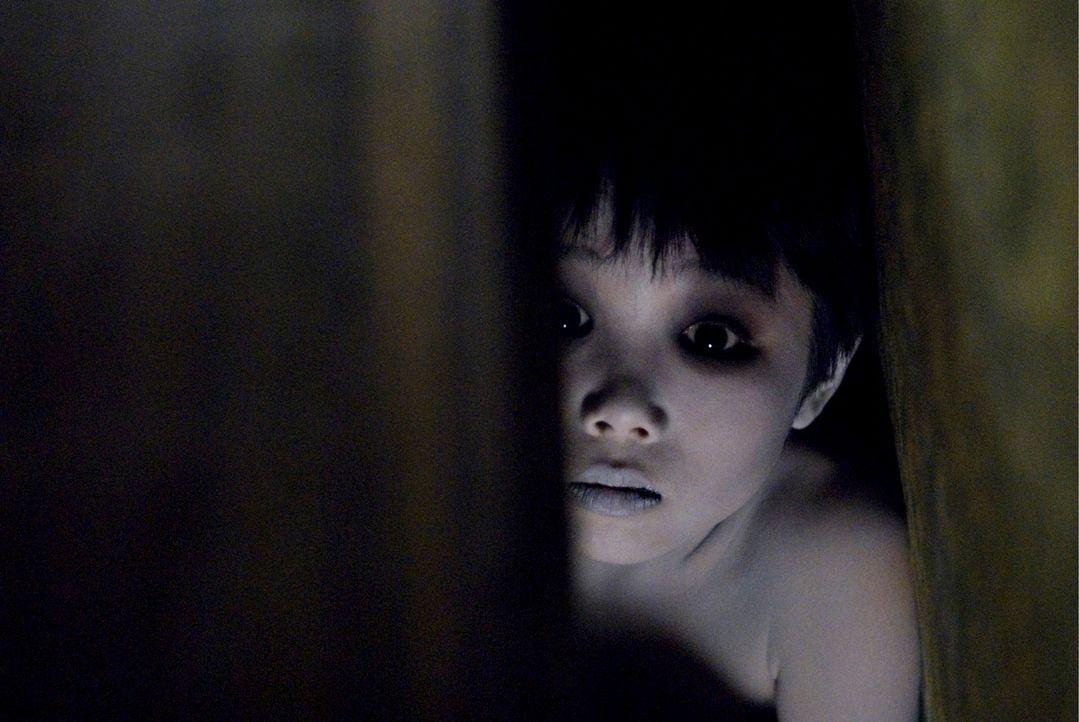 Karen konnte dem Fluch, der ihr die Geister einer ermordeten Frau und ihres Sohnes (Ohga Tanaka) auf den Hals hetzte, nicht entkommen. Jetzt scheint... - Bildquelle: Ghost House Pictures