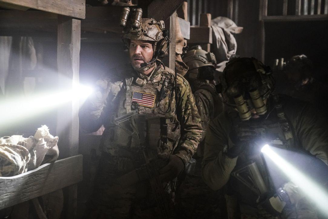 Jason (David Boreanaz) und sein Team stehen kurz davor, den Tod des Echo-Teams zu rächen, doch dann schaltet sich eine afghanische Spezialeinheit ei... - Bildquelle: Cliff Lipson Cliff Lipson/CBS   2018 CBS Broadcasting, Inc. All Rights Reserved.