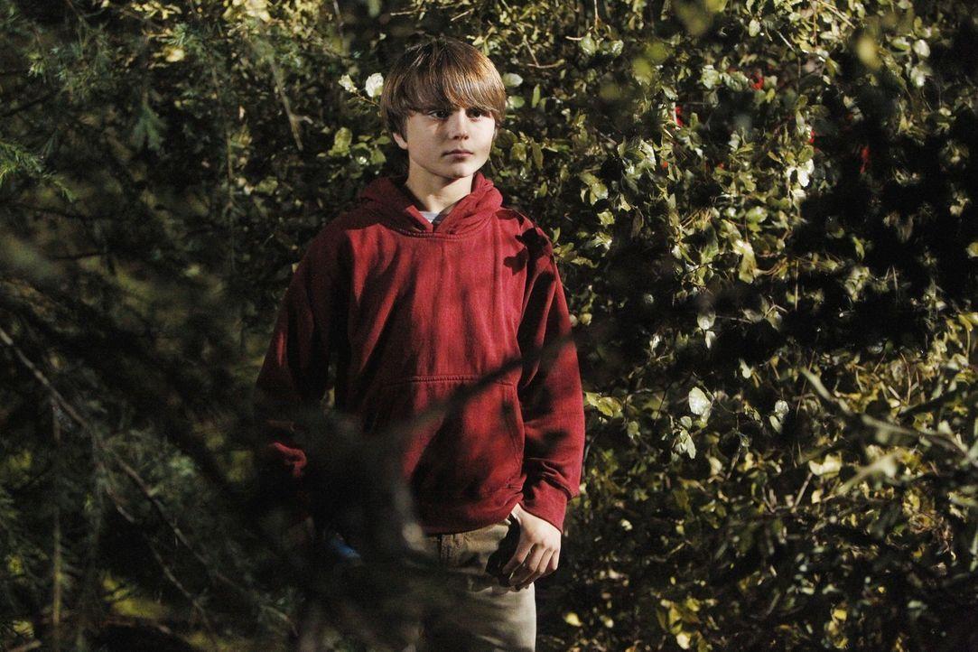 Wird beim Zelten im Wald entführt: Robert Brooks (Gattlin Griffith). Doch wird das BAU-Team es schaffen, ihn zu finden, bevor es zu spät ist? - Bildquelle: ABC Studios