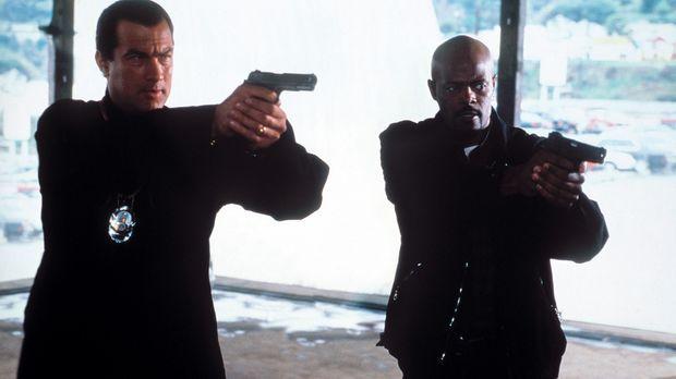 Gemeinsam versuchen sie eine Mordserie aufzudecken: Jack Cole (Steven Seagal,...