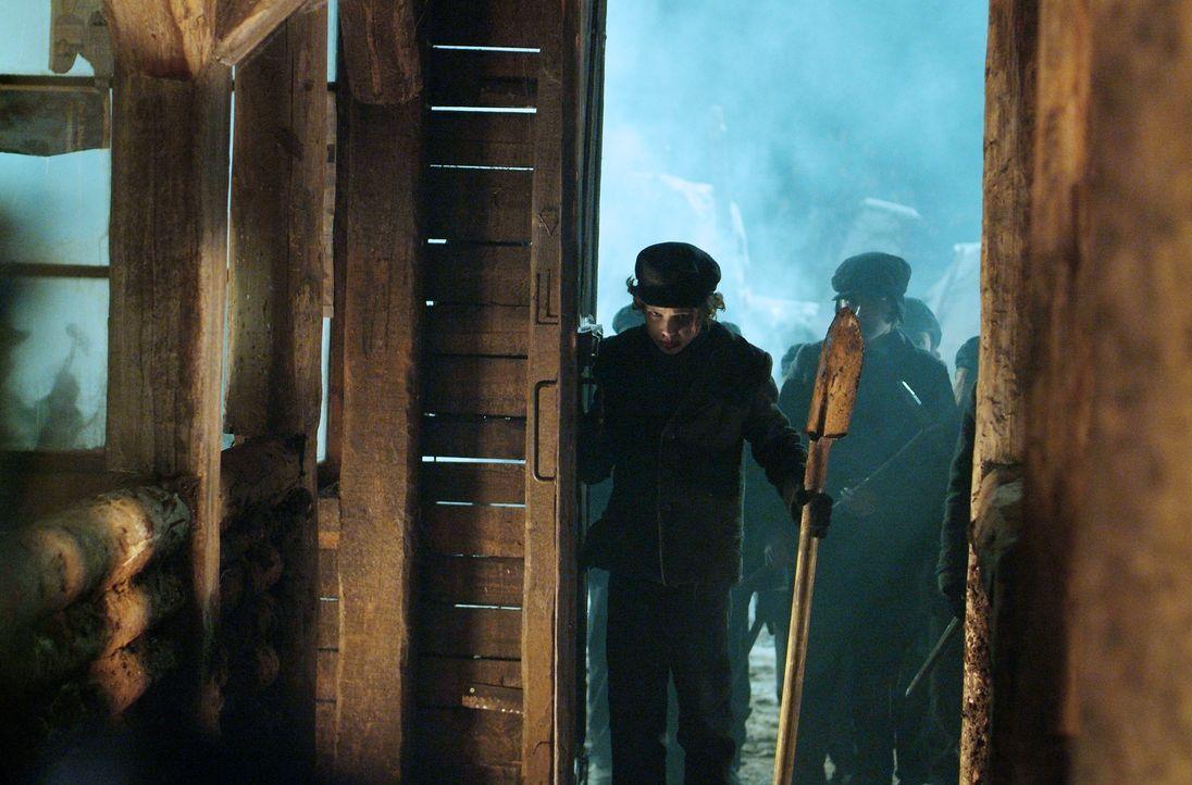 Im Jahre 1913 geschieht in einem abgelegenen Bergwerk in Pennsylvania ein Unglück, als der hartherzige Besitzer einen Schacht mit Dynamit sprengen... - Bildquelle: Nu Image Films