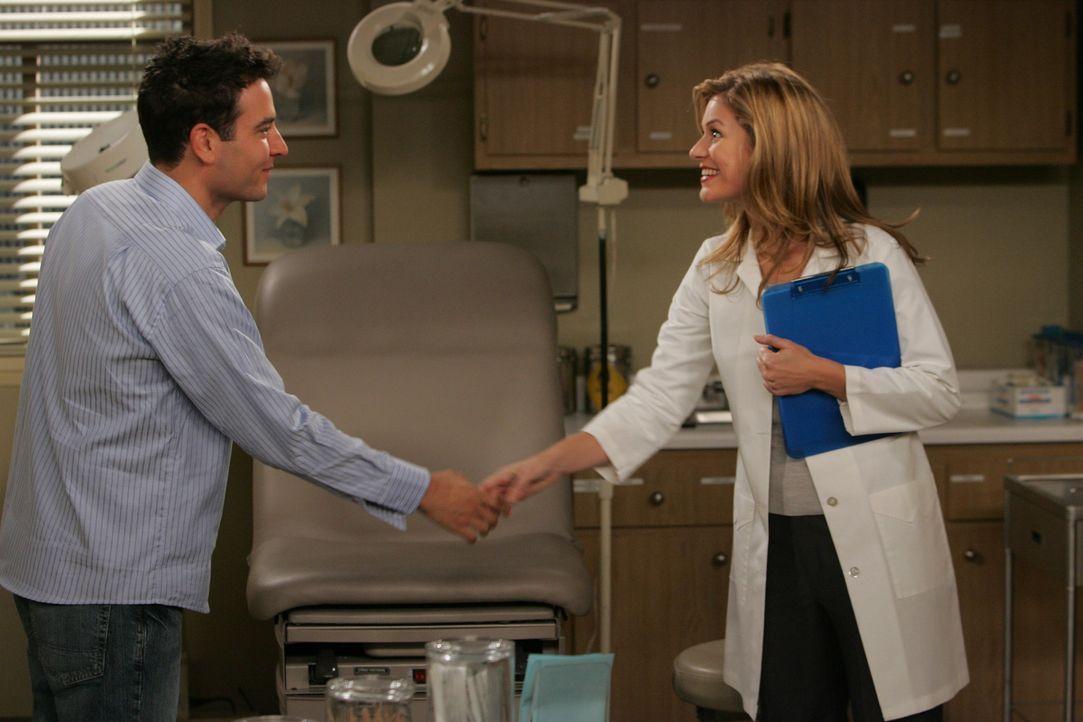Da Ellen etwas von einer Sarah (Beth Lacke, r.) erwähnt, versucht Ted (Josh Radnor, l.) sie ausfindig zu machen, in der Hoffung, dass sie die Richt... - Bildquelle: 20th Century Fox International Television