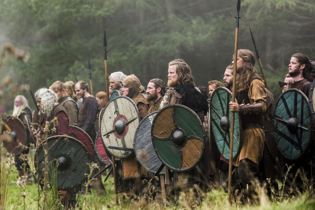 Ragnar und seine Männer nehmen den Kampf um Kattegat auf ... - Bildquelle: 2014 TM TELEVISION PRODUCTIONS LIMITED/T5 VIKINGS PRODUCTIONS INC. ALL RIGHTS RESERVED.