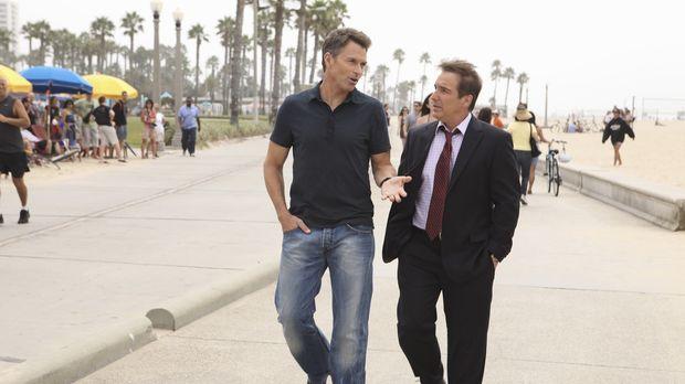 Nach alledem was geschehen ist, sucht Pete (Tim Daly, l.) Rat bei Sheldon (Br...