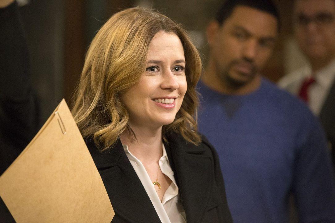 Ein neuer Fall beschäftigt Jennifer Lambert (Jenna Fischer) und ihre Kollegen ... - Bildquelle: 2016 Warner Bros. Entertainment, Inc.